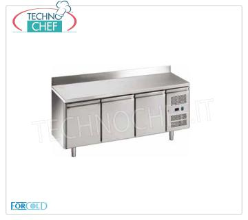 3-door refrigerated table, temp. -2 ° + 8 °, for gastronomy 3 DOOR refrigerated table with upstand and neutral drawer, FORCOLD brand, 417 liters, temp. -2 ° / + 8 ° C, ventilated refrigeration, V.230 / 1, Kw.0.35, dim.mm. 1795x700x950h